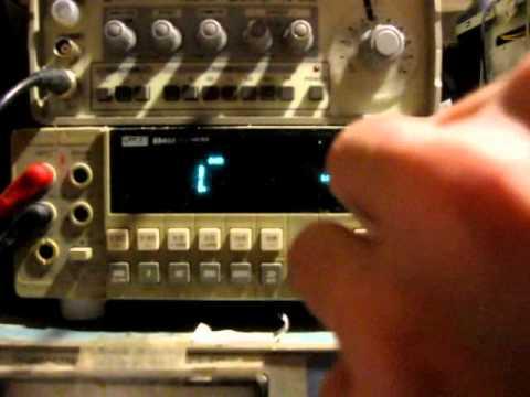 видео: Как проверить конденсатор? Трюк с мультиметром.