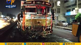 9 Dead on spot in Accident on Pune Solapur Highway