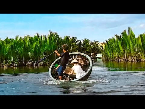 Visiting Water Coconut Forest By Basket Boat in Hoi An, Vietnam // vietnamhelloworld.com
