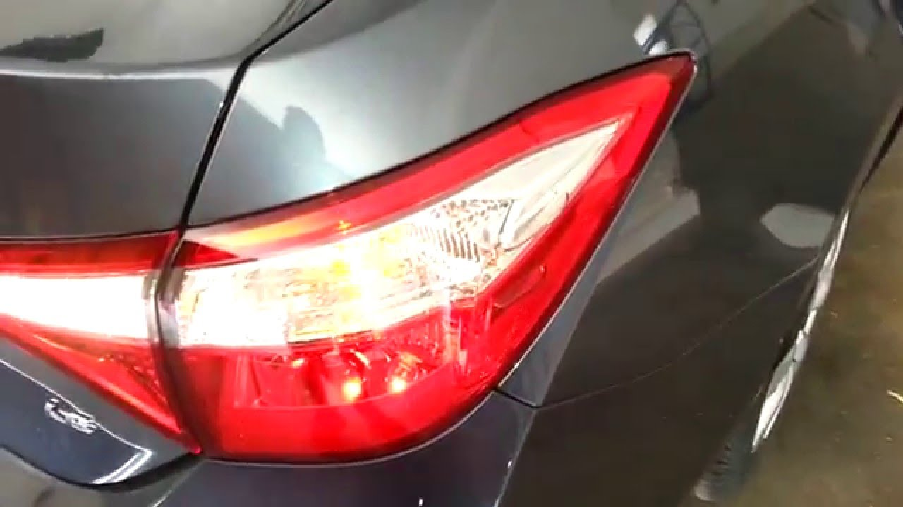 2014 2018 toyota corolla sedan test tail lights after. Black Bedroom Furniture Sets. Home Design Ideas