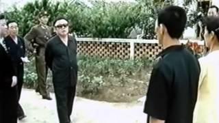 Товарищ Ким Чен Ир руководит работой на местах (2002 г.)