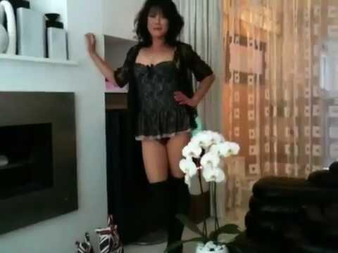 Blonde transsexual ,shemale, tranny dancing in club Ana Manciniиз YouTube · Длительность: 3 мин55 с