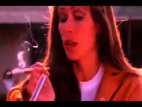 Hollywood boulevard  1976      Mary Woronov & Candice Rialson holder  cut
