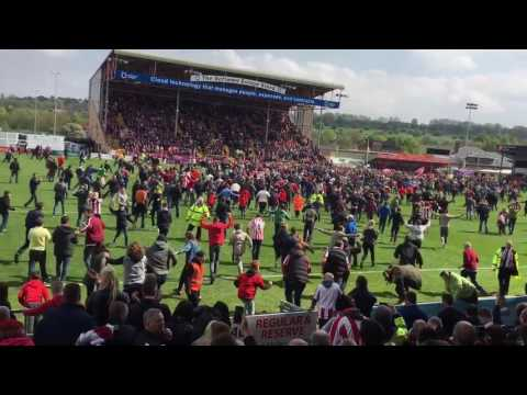 LINCOLN CITY PITCH INVASION - ABSOLUTE SCENES!