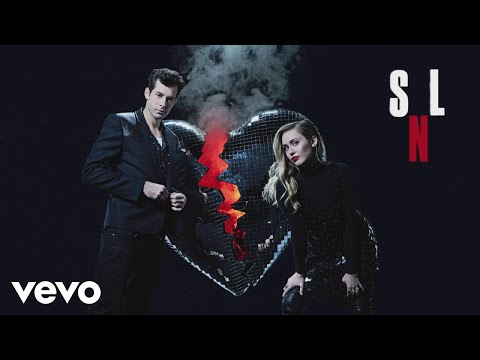 Mark Ronson - Nothing Breaks Like A Heart (Live at SNL) ft. Miley Cyrus