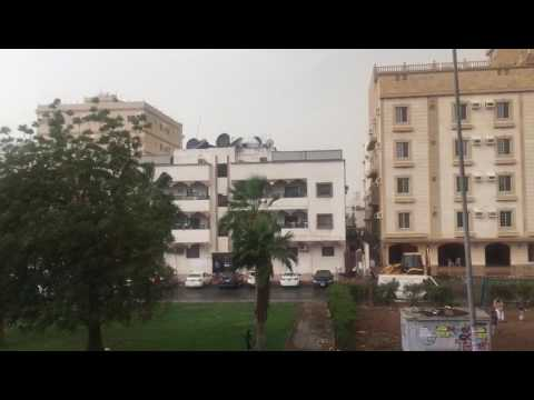 storm and  raining heavily  in afternoon in  jeddah on 27th April 2017