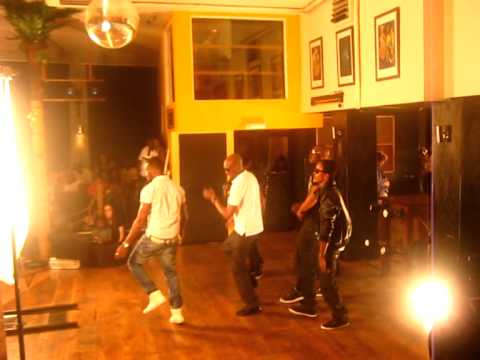 Modenine - At 2face's Video Shoot [1]