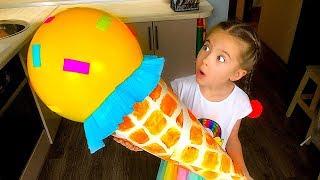 Маша с куклой играют в магазин мороженого  Play with Ice Cream Toys