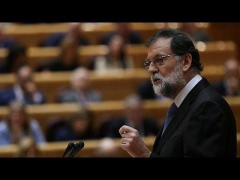El presidente español, Mariano Rajoy, pide en el Senado cesar al presidente catalán, Carles…