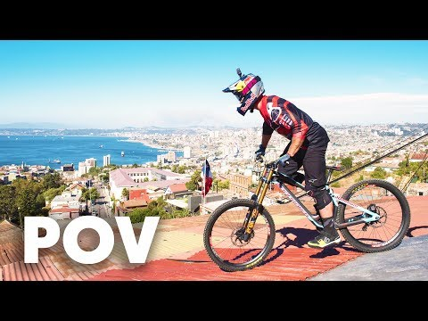 Urban DH over roofs and houses with Brook MacDonald | Red Bull Valparaso Cerro Abajo 2018