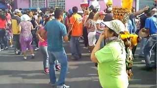 Repeat youtube video Carnaval de Yautepec 2013 (barrio rancho nuevo)