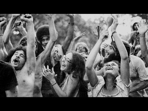 22 RARE WOODSTOCK PHOTOS YOU HAVE TO SEE thumbnail