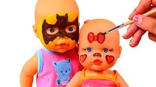 ? BEBÉ TRAVIESO ? Disfrazando bebés de Superheroes y Minnie   Videos de Juguetes en Español