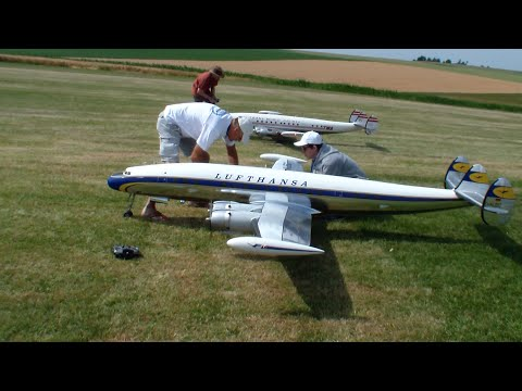 Formation Flying 3x Huge R/C Super Constellation Lockheed L-1049 Airlinermeeting 2015
