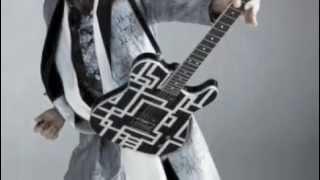 布袋寅泰 海外ロックレーベルと契約 スパインファーム・レコード