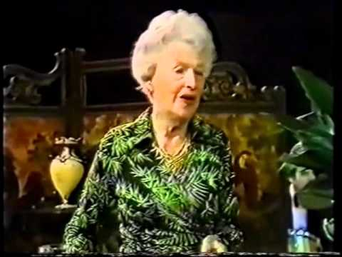 Gracie Fields -The Biggest Aspidistra In the World -Parkinson Show, 1977