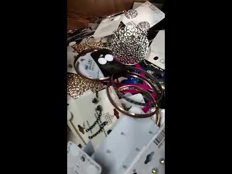 wholesale-closeout-fashion-jewelry-by-closeoutexplosion.com