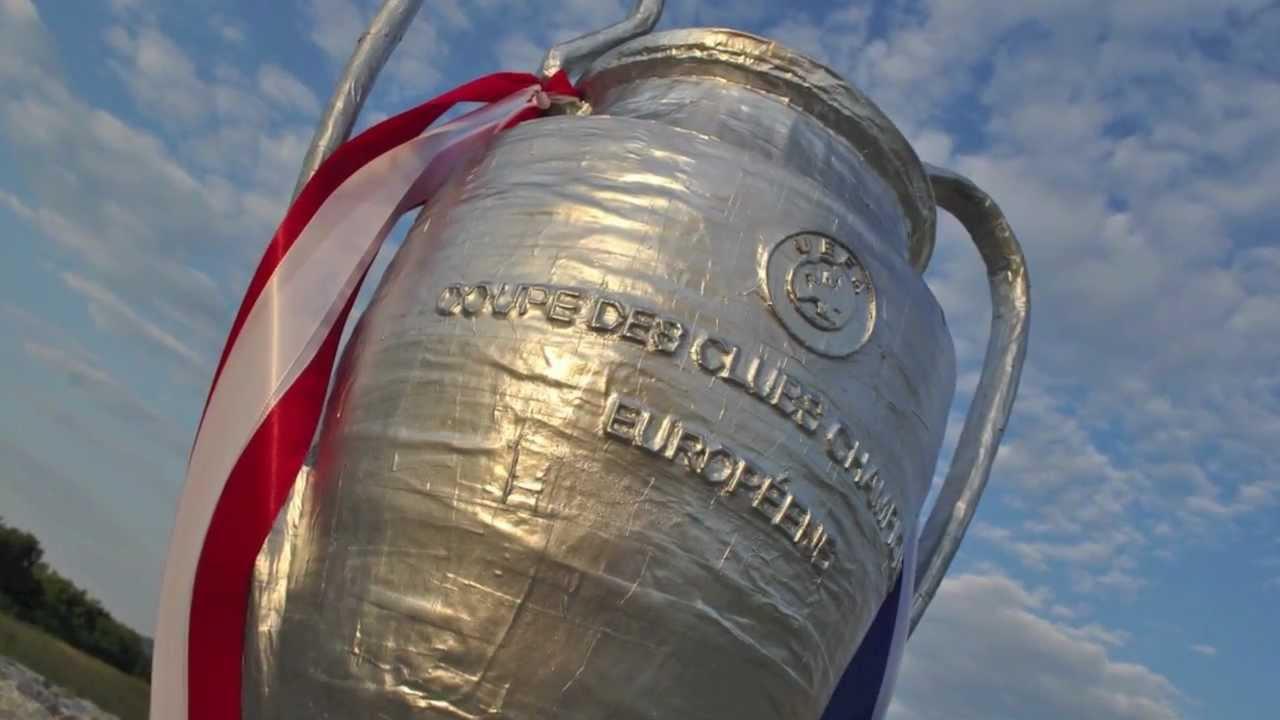 Champions League Pokal 2012 Final In Fc Bayern München Gegen Chelsea Fc Aus Pappmaché