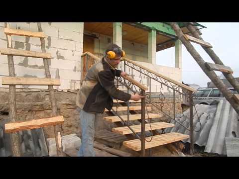 Кованые перила для лестниц и балкона