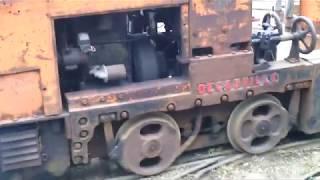 moteur ceres bicylindre 2 temps diesel monté sur motrice decauville