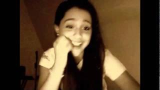Ariana Grande Imitando A sus Artistas Favoritos thumbnail