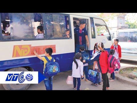Xe 'bãi rác' ngang nhiên đón học sinh hàng ngày | VTC