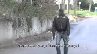 Muslim Refugees Attacking Frenchman. But He Has a Surprise