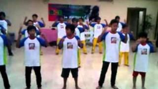 video CHICKEN DANCE Master Core Brain - senam otak MCB - Agus Rini instruktur