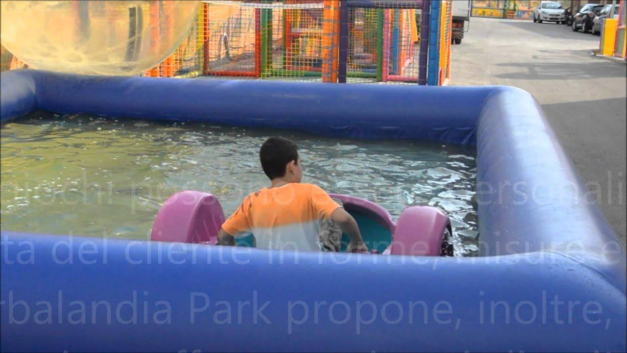 Piscina gonfiabile ad acqua con barchette per bambini for Piscine gonfiabili per bambini