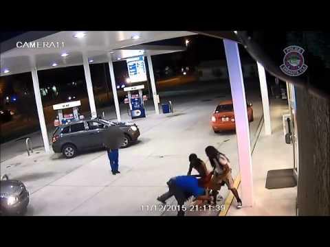 RAW: Sarasota gas station clerk attacked