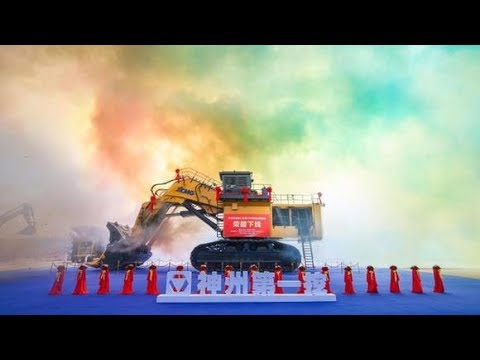700 ton industrial digger starts service in E China