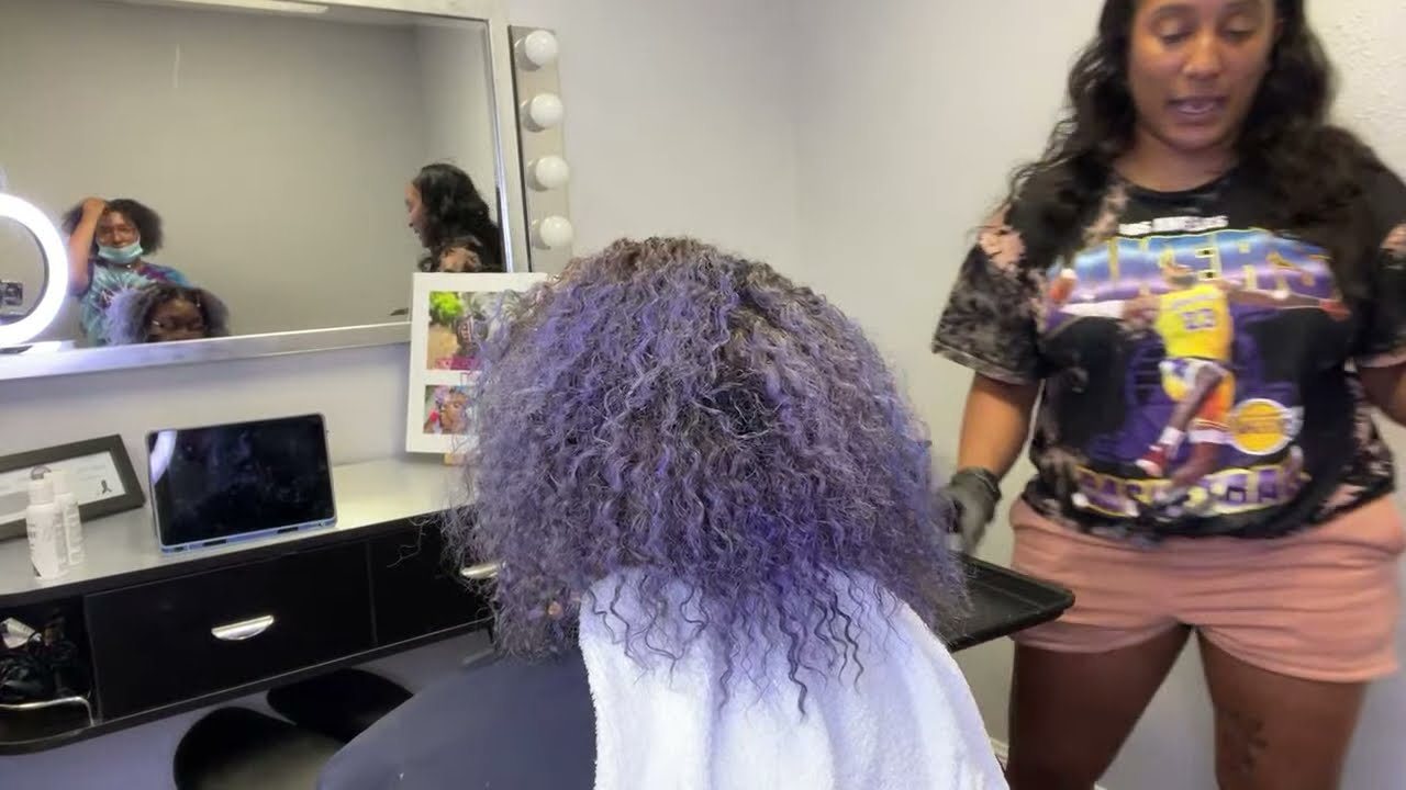 Download Dying my assistants hair blue black