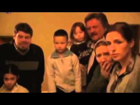 Selo gori a baba se češlja - Blic Online