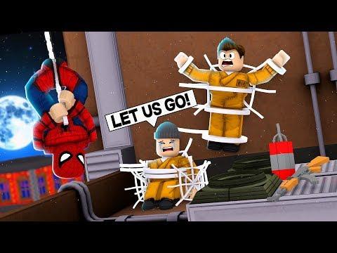 SPIDERMAN vs CRIMINALS IN ROBLOX