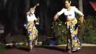 Sinhala New Year 2008 dance2
