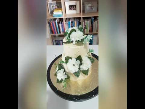 easy-simple-two-tier-wedding-cake-with-artificial-flowers