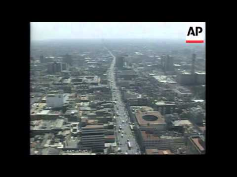 MEXICO: MEXICO CITY: OZONE LEVELS SOAR PAST DANGER POINT
