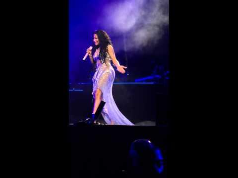 Meek Mill apologies to Nicki Minaj about his Drake's tweets + All eyes on you performance. #Omeeka