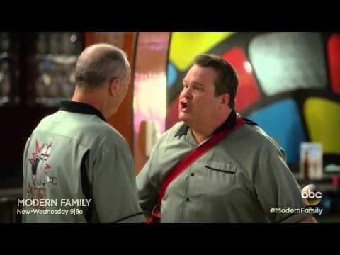 Modern Family - Cam And Jay Bowl Together