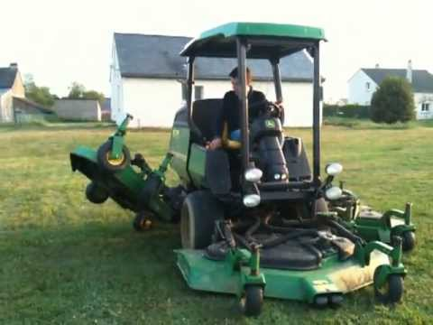 tondeuse john deere 1600 youtube. Black Bedroom Furniture Sets. Home Design Ideas