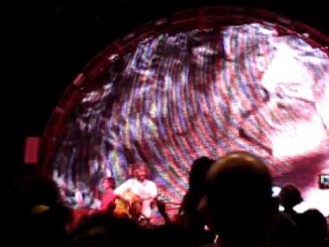The Flaming Lips - Yoshimi Battles The Pink Robots Pt. 1 (Live In Hong Kong)