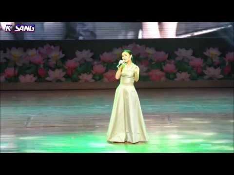 ออม ร้องเพลง หวงห่วง @Si Lan Live in Bangkok 22Dec13 [cam]