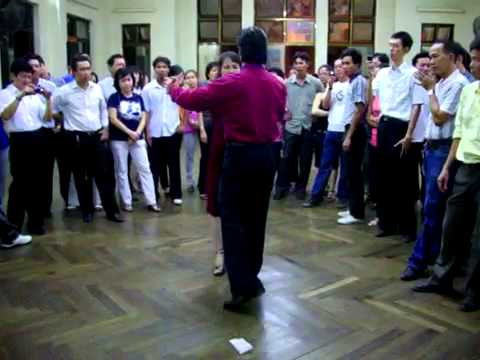 Khiêu vũ Rumba lop 4 thay Đức Thắng.mp4