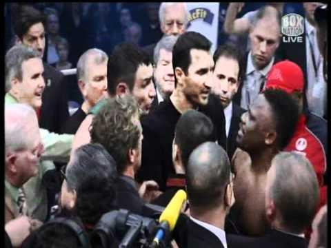 Chisora spits water on Wladimir Klitschko