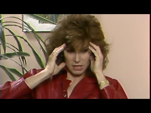 Stefanie Powers tells the story of meeting with the Pope.