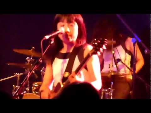 Shonen Knife (少年ナイフ) live Scala London 2011 (Bear Up Bison)