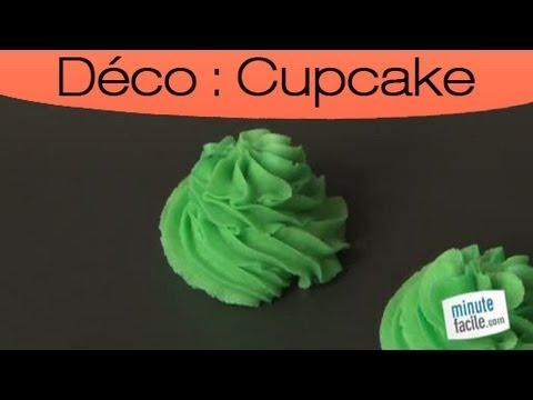 cupcake d coration avec poche douille youtube. Black Bedroom Furniture Sets. Home Design Ideas