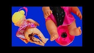Куклы Пупсики Малыши какают на горшок Пупс обкакался и кушает кашу пьет чай Игру