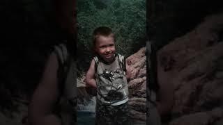 Ребёнок рассказал стих крестной 3 года