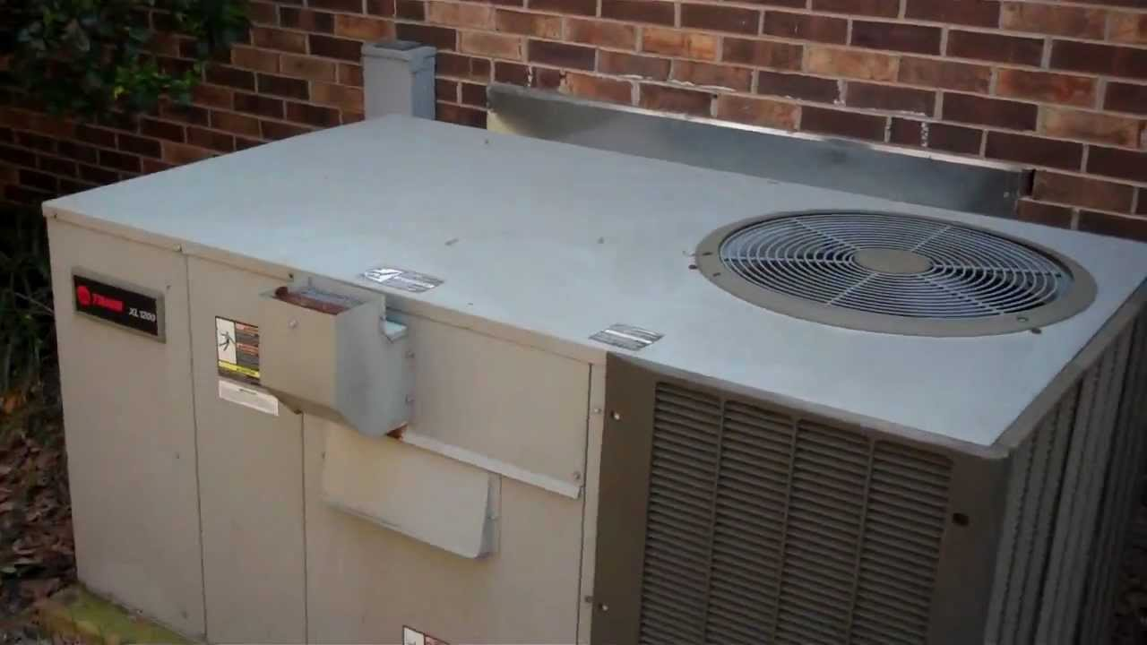 *Old Video* 3-18-12 Trane XL1200 Gas Pack Running in Cool Mode